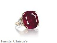 Christie's: Anillo de Rub� coj�n con diamantes